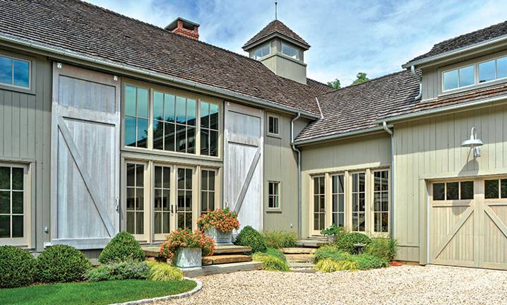 Long Island Barn-Style Timber Frame